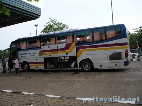 タイ・ラオス国境バス