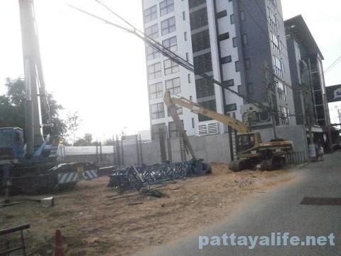 ホテルセレノテル横の工事現場