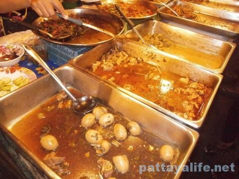 ブッカオ市場ぶっかけ飯食堂