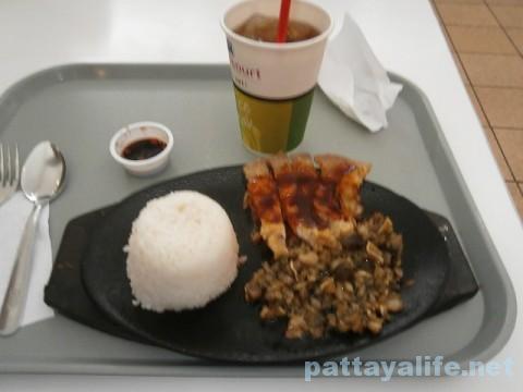 アンヘレスSM内の食事シシグ