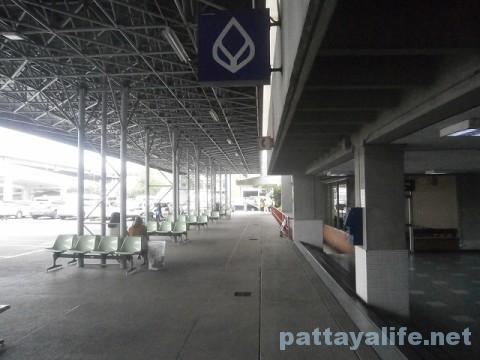 ドンムアン空港のコンビニとフードコート (12)