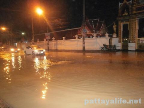 洪水パタヤタイ (2)