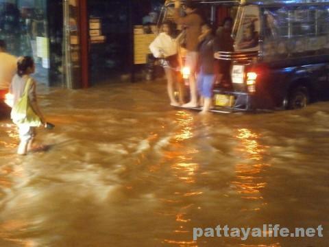パタヤブッカオ洪水 (4)