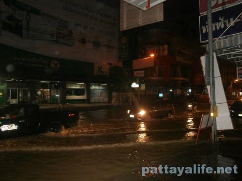 洪水パタヤタイ (1)