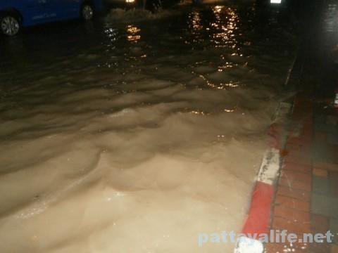 パタヤブッカオ洪水 (2)