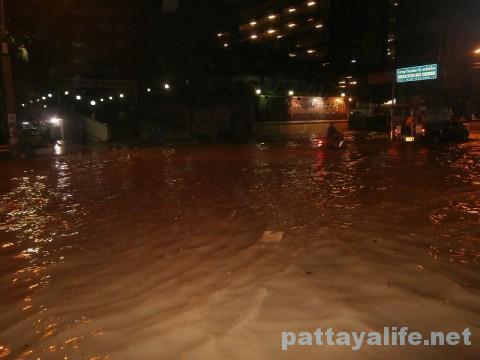 洪水セカンドロード (2)