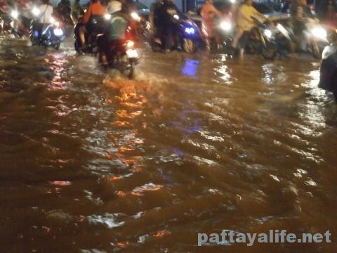 パタヤブッカオ洪水 (3)