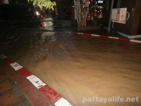 洪水パタヤタイ (3)