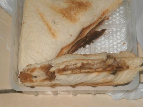 コンビニの豚カツサンドイッチ