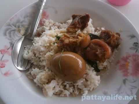 ブッカオ市場のぶっかけ飯豚肉中華 (1)