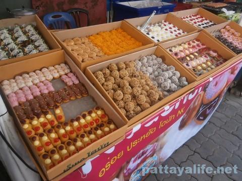 ブッカオ市場のお菓子