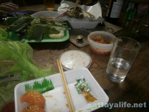 焼酎とキムチと魚で宴会