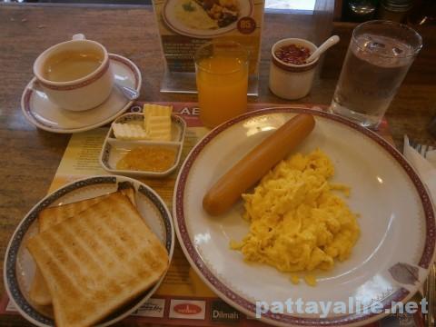 TOOKLAEDEEの朝食