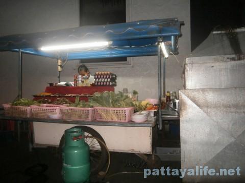 ウォーキングストリートアラブ人バービア近くの屋台食堂