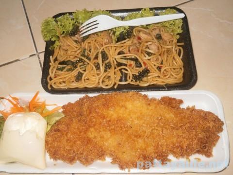 白身魚フライとスパゲッティ