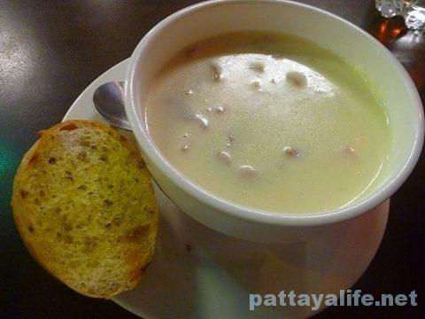 ステーキガオライサイサーム クリームスープ (1)