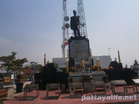 パタヤヒル展望台銅像