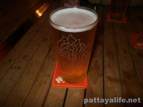 フーターズパタヤ1パイントビール