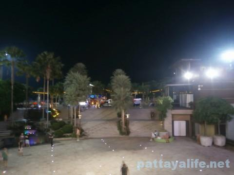 夜のセントラルフェスティバル
