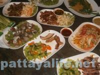 カオトムプラジャンバン料理