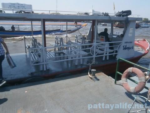 ワットアルン渡し船