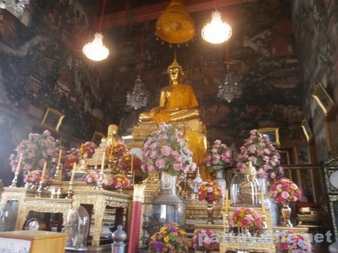 ワットアルンタンブン仏像