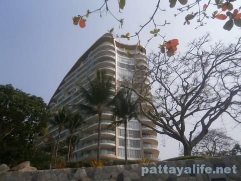 ウォンアマットビーチ横のホテル