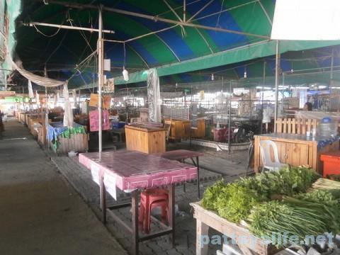 カオタロー市場 (2)