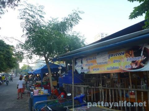 プラタムナック市場 (3)
