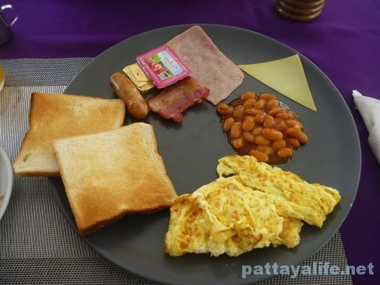 レインボーゲストハウスの朝食ブレックファスト (2)