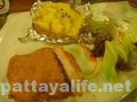 セイラーバーレストランのシュニッツェルカツレツ (2)