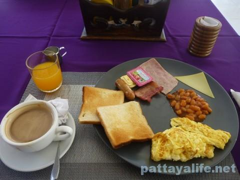 レインボーゲストハウスの朝食ブレックファスト (3)