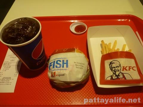 KFCのフィッシュバーガーセット (2)
