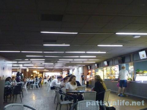 ドンムアン空港第2ターミナルのマジックガーデン (3)