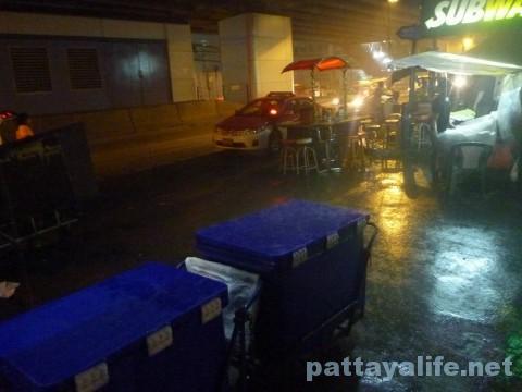 大雨のバンコクスクンビット (1)