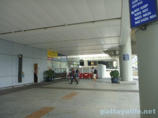 香港空港エアポートバス乗り場 (4)