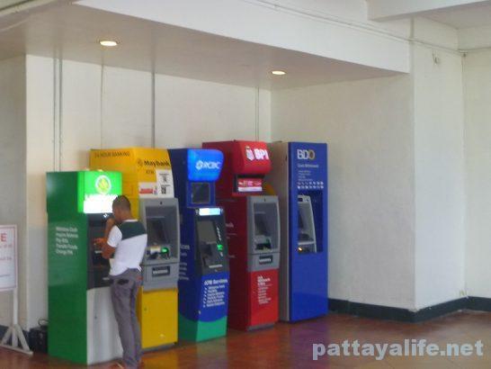 クラーク空港ATM (2)