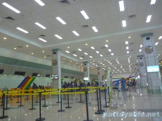 クラーク空港ターミナルビル内部 (1)