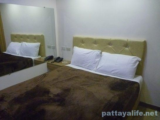 スコアバーズホテル部屋 (1)