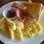 【アンヘレスの朝食】Phillies Sports Grill&Barで大盛りブレックファースト125ペソ