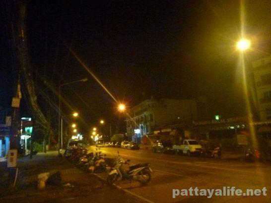 クラビの夜道 (1)