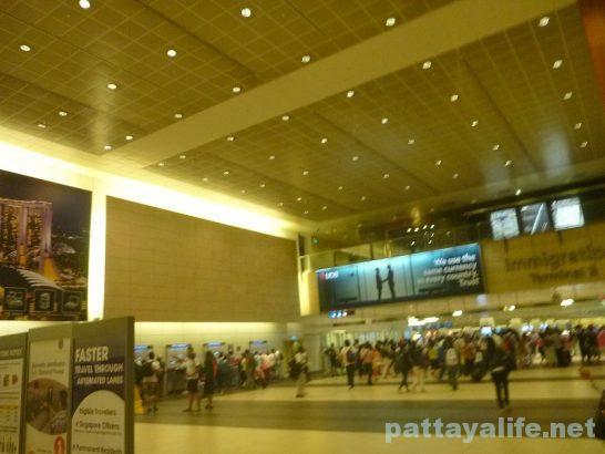 シンガポールチャンギ国際空港到着ターミナル (2)