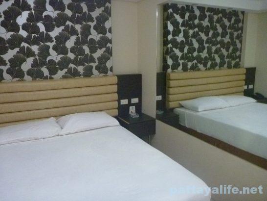スコアバーズホテルスタンダードルーム部屋内部 (1)