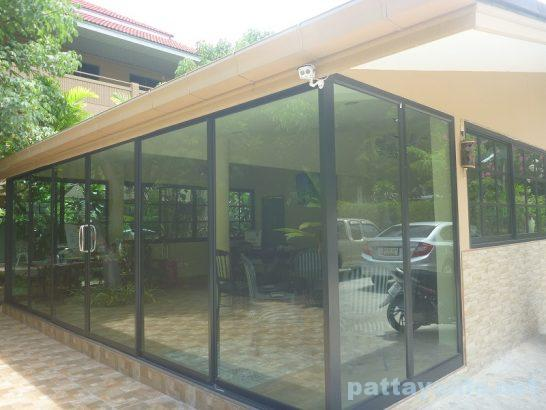 e-out-fitting-pattaya-22