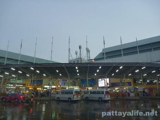 バンコク南バスターミナル (2)
