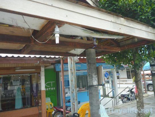 カオラックのバス乗り場 (2)