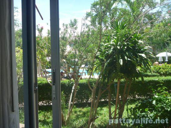 basaya-beach-resort-hotel-pattaya-17