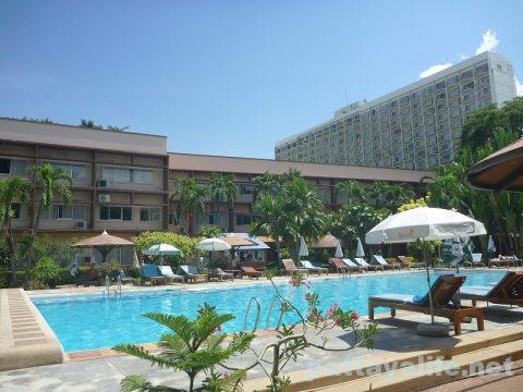 basaya-beach-resort-hotel-pattaya-33