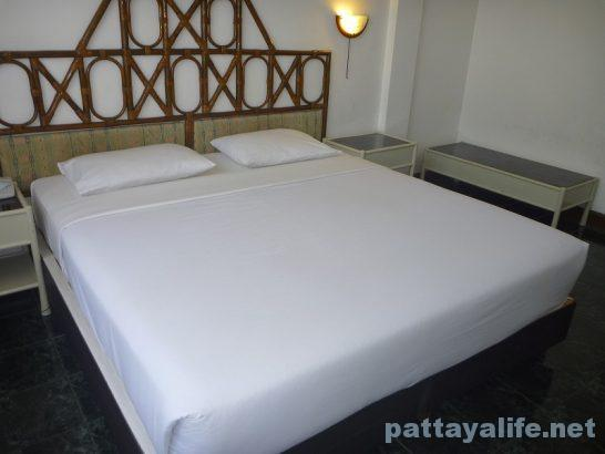basaya-beach-resort-hotel-pattaya-8