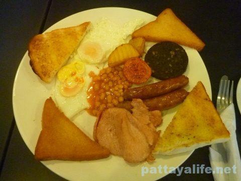 i-rovers-breakfast-3